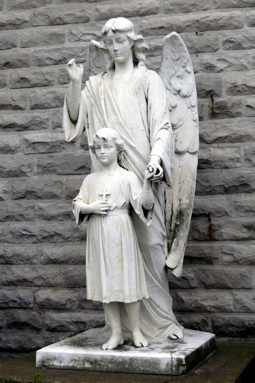 Holy_Angels_Catholic_Church_(Sandusky,_Ohio)_-_Guardian_Angel_statue